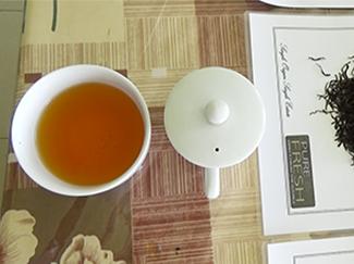 産地の味を大切にした「モスの紅茶」